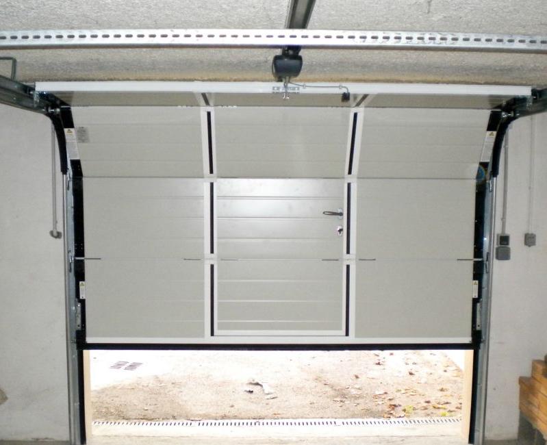 Porte de garage refoulement plafond touat menuiserie - Porte de garage industrielle sectionnelle ...